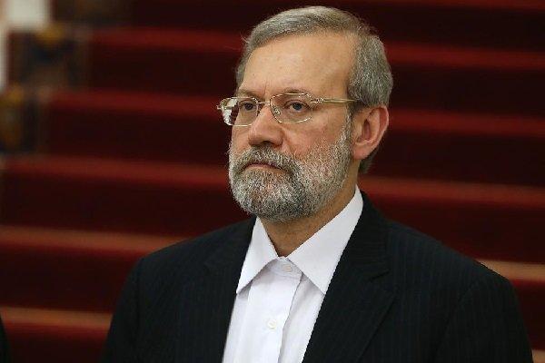 لاريجاني: لن يطرأ تغيير على سياسات ايران الإقليمية بتغيير الدبلوماسيين