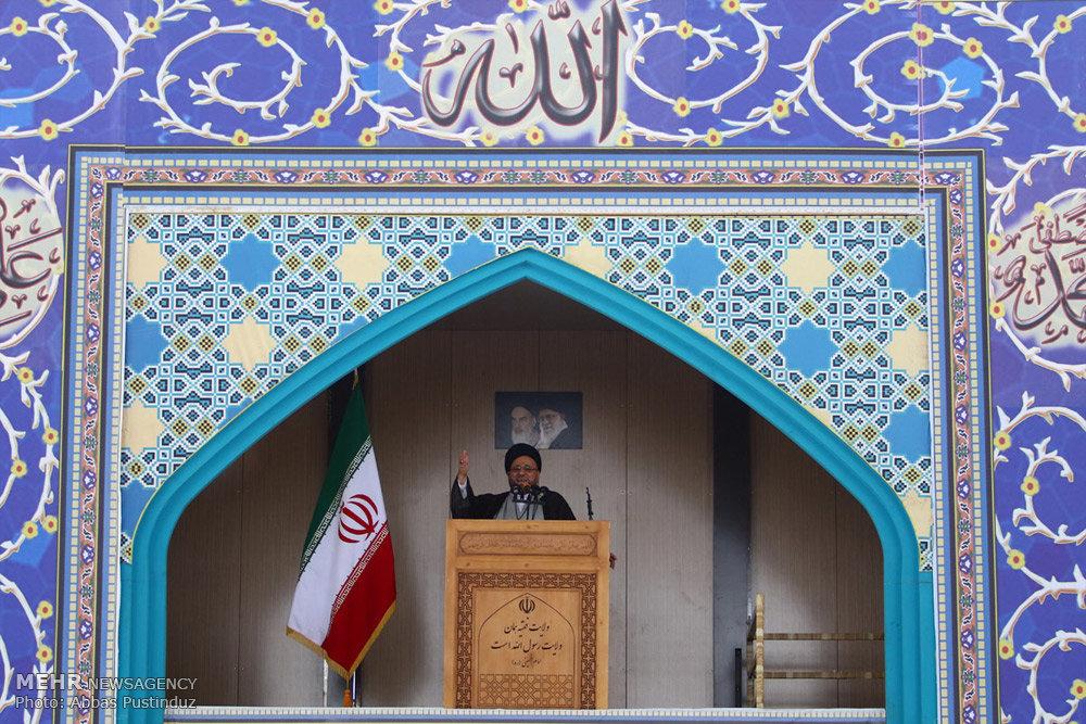 اقامه نماز جمعه در مصلای جدید اصفهان