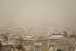 روز در جنوب و شرق کرمان شب شد/ خاک از آسمان کویر می بارد