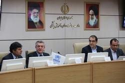 پناهندگان هزینههای زیادی به نظام سلامت ایران تحمیل میکنند