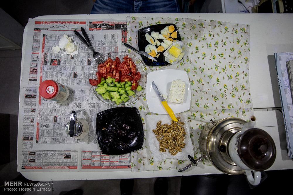 دلخوشی های ساده افطار