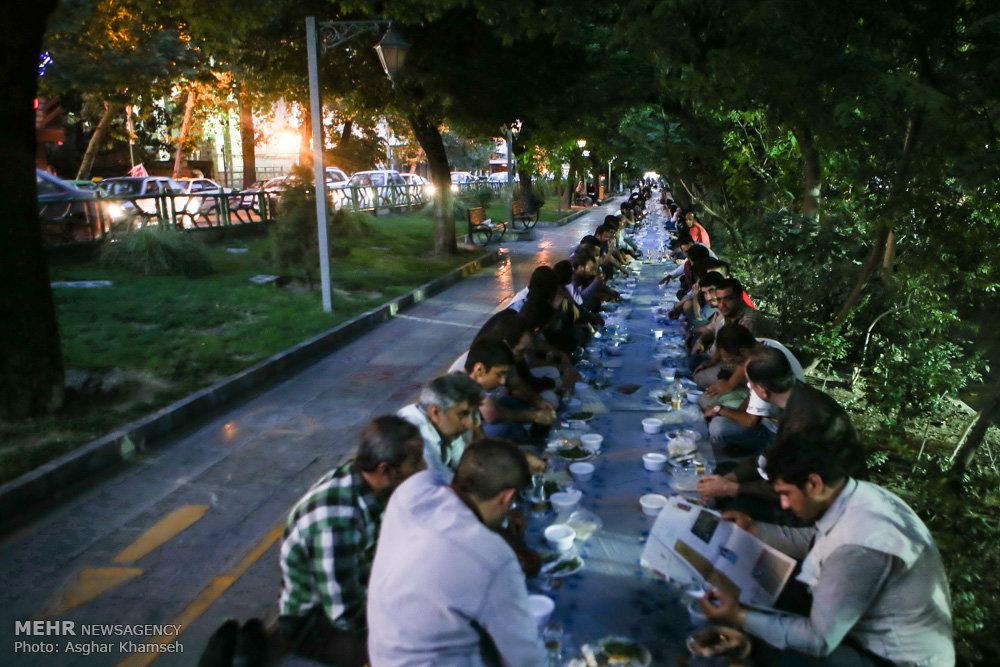 بزرگترین افطاری ساده خیابانی