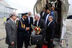 ورود وزیر خارجه به فرودگاه لوبورژه پاریس