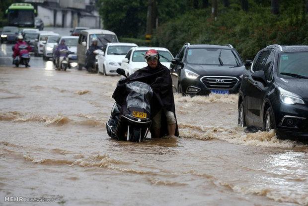 چین میں طوفانی بارشوں سے مختلف حادثات میں 98 افراد ہلاک