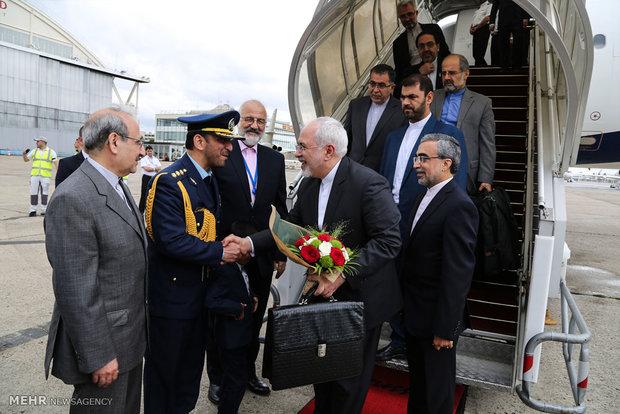 Zarif arrives in Paris