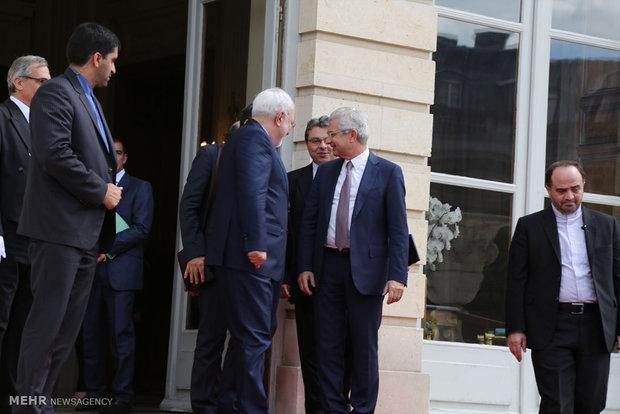 لقاء وزير الخارجية الايراني ورئيس مجلس الشيوخ الفرنسي
