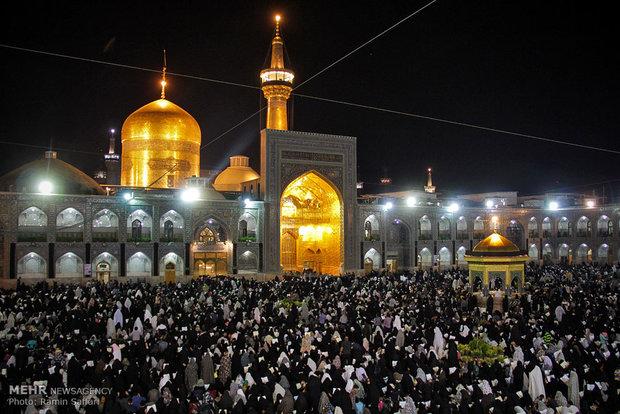 مراسم احیای شب نوزدهم رمضان در حرم امام رضا(ع)