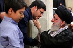 مشاهد من لقاء عوائل الشهداء مع قائد الثورة الاسلامية