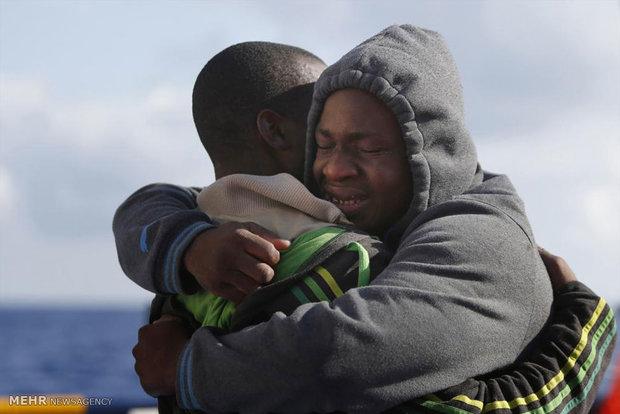 نجات پناهجویان از دریا