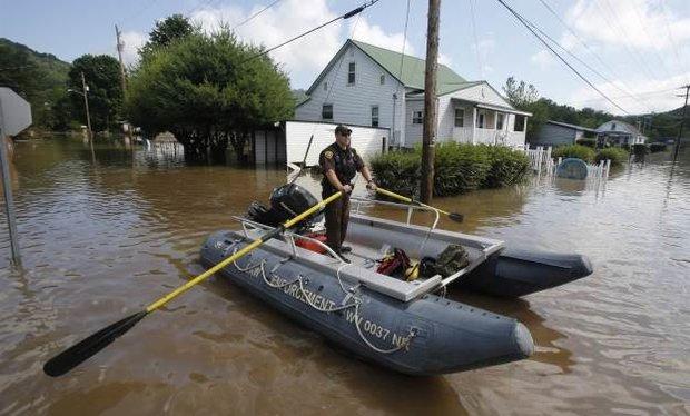 امریکہ میں شدید بارشوں کے باعث کئي ریاستوں میں  نظام زندگی درہم و برہم