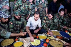 Video: President Assad pays visit to SAA front lines