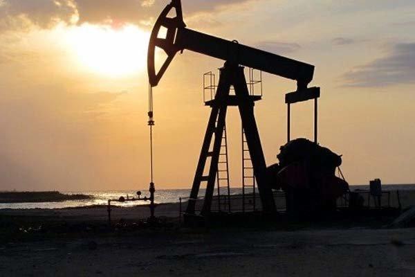 الصادرات النفطیة الإيرانية تنمو  بنسبه 14.4% خلال الشتاء الماضي