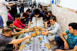 خیران ۳۵۰ میلیون تومان برای افطار مددجویان اصفهان کمک کردند
