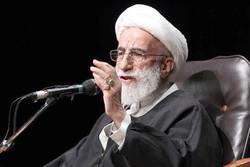سپاه خار چشم دشمنان است/هیچ نگرانی از اقدمات خصمانه آمریکا نداریم