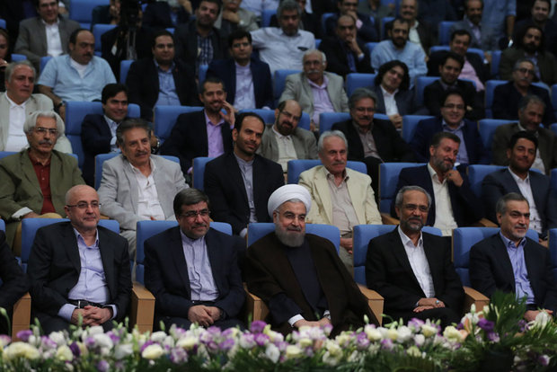 Rouhani's Iftar banquet with cultural and art groups