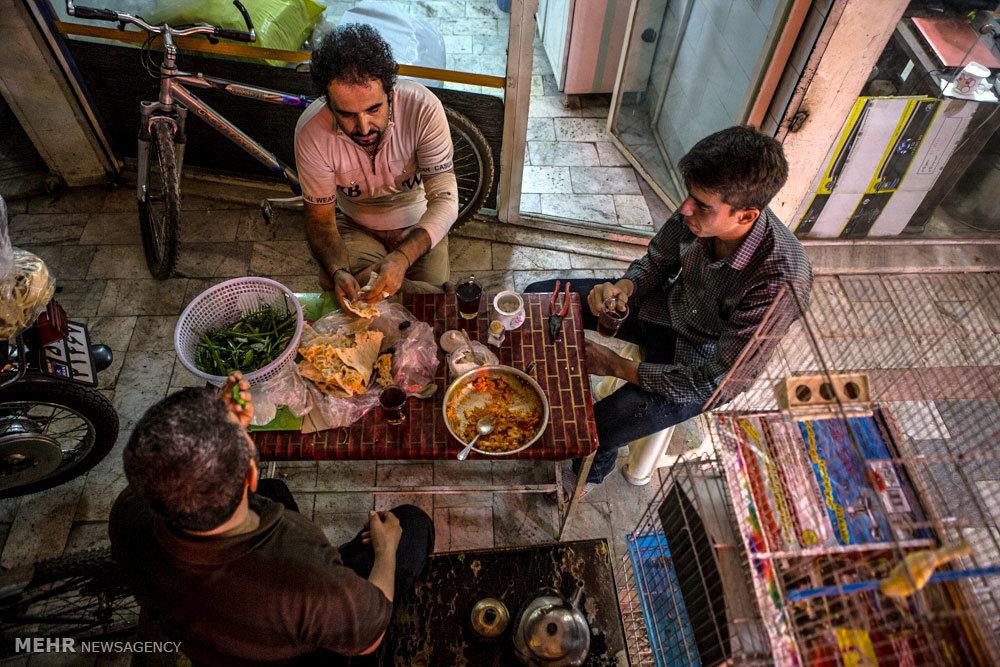 تصاویر زیبا از سفره های افطار ساده اما باصفا