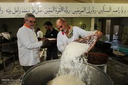 توزیع نذری طرح اطعام احسان واقفان در خوی