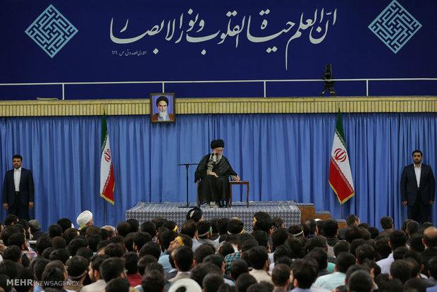 İslam Devrimi Lideri yarın üniversite öğrencileri ile görüşecek