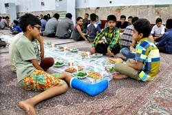 امشب ۲۰۰ یتیم میهمان سفره اطعام امام جمعه کرمانشاه هستند