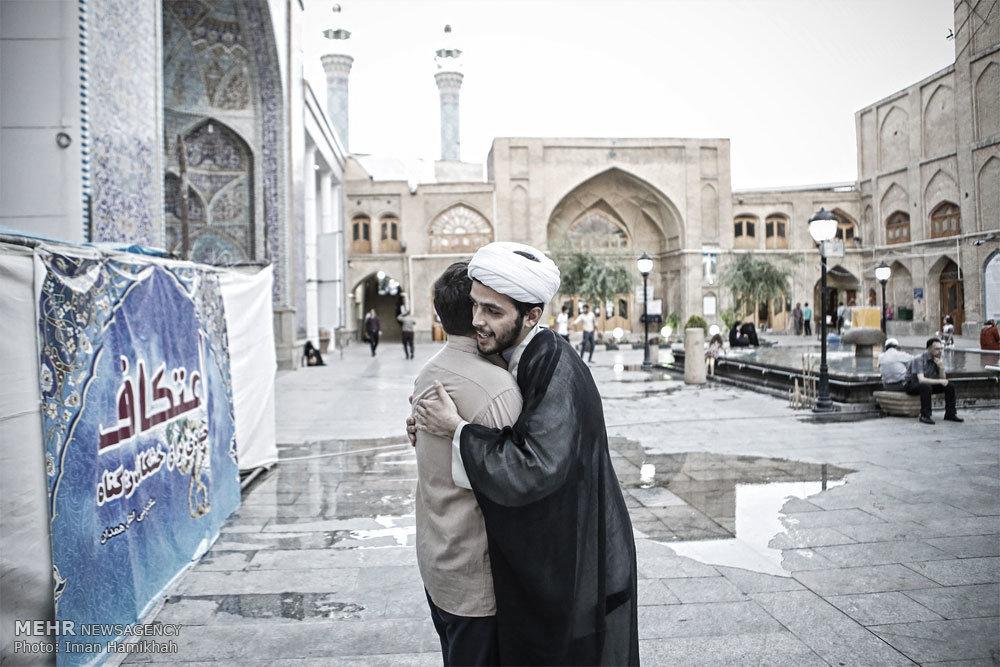 آئین معنوی اعتکاف در مسجد جامع همدان