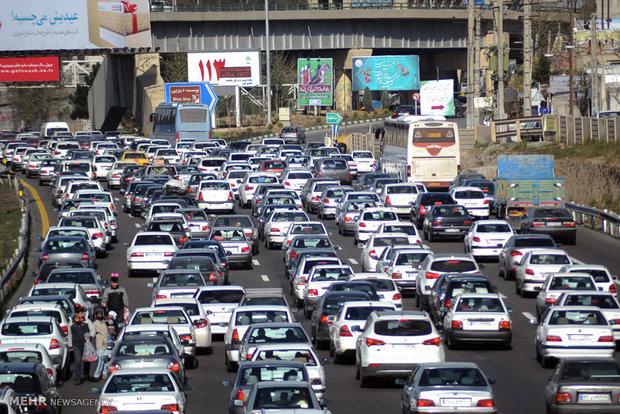 ترافیک نیمه سنگین در آزادراه قزوین - کرج