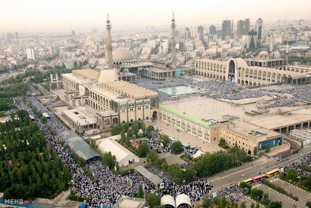 Eid prayers led by Leader
