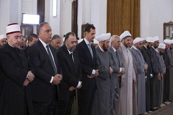 الرئيس السوري يؤدي صلاة عيد الفطر بحمص