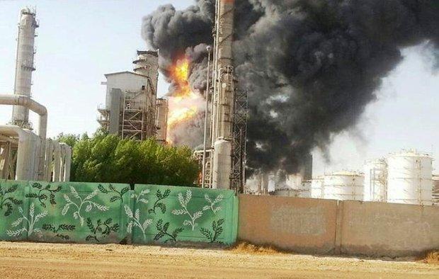 جزئیات آتش سوزی پتروشیمی بوعلی/ اعزام بالگرد آب پاش از بوشهر