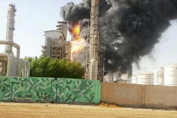 اوضاع آتش سوزی های پتروشیمی بوعلی در ماهشهر بدتر شد/  مناطق نفتخیز به کمک پتروشیمی آمد/ رئیس جمهور مستقیماً وارد عمل شود
