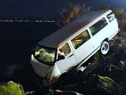 انڈونیشیا میں مسافر بس کے حادثے میں 24 افراد ہلاک