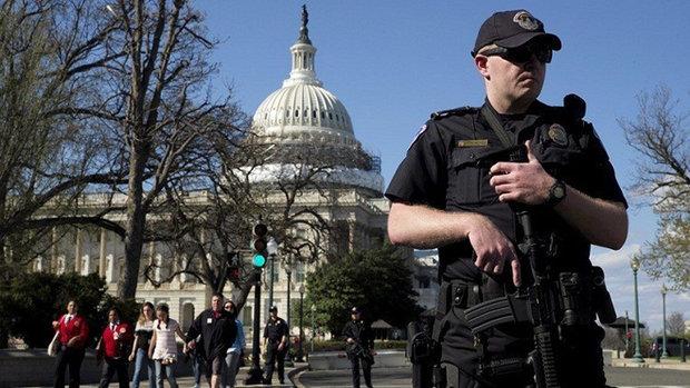 إغلاق مبنى الكونغرس الأمريكي لأسباب أمنية