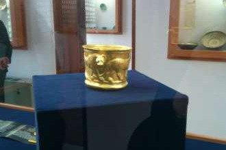 تمدن ۶۰۰۰ ساله محروم از موزه/نمایش جام زرین در سالن اجتماعات