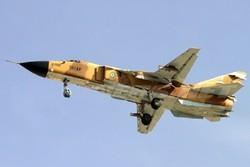 Iranian fighter jet crashes in Estahban
