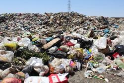 زباله پلاستیکی لباسی بدقواره بر تن محیط زیست شاهرود/ نقش آموزش در کاهش تولید زباله