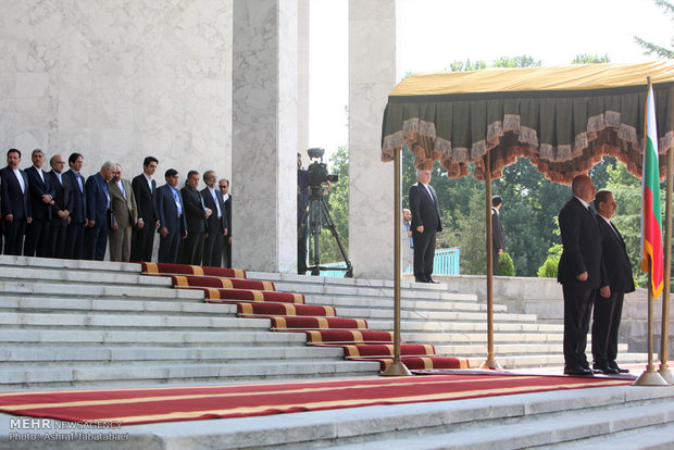Bulgarian PM welcomed officially