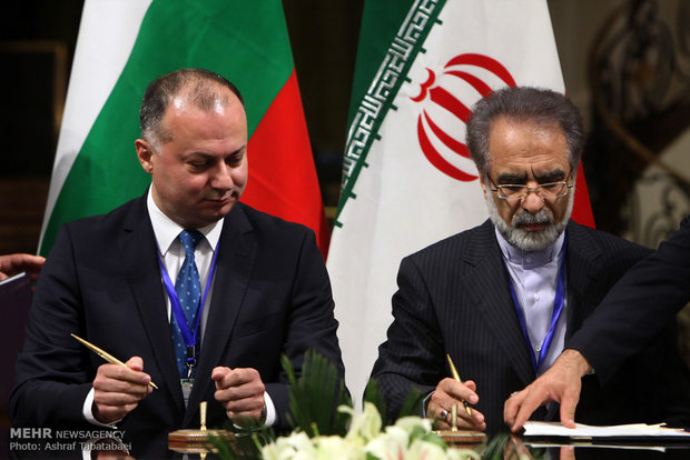 Iranian, Bulgarian officials held presser