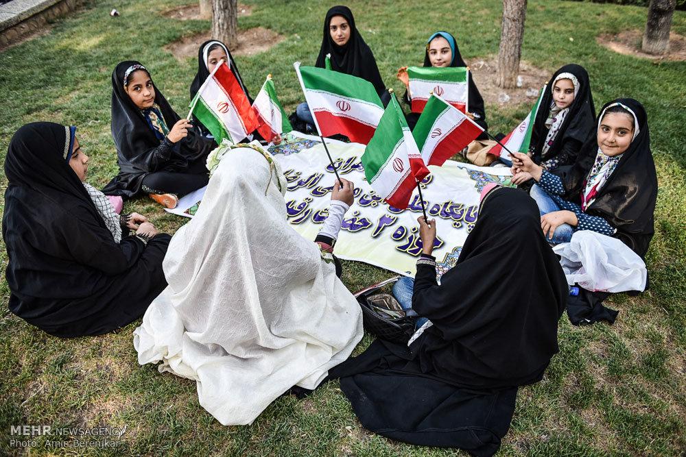 اجتماع مردمی مدافعان حریم خانواده در شیراز
