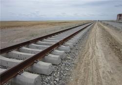 خطوط ریلی قم به مشهد دوخطه میشود/ ورود روزانه ۳۰ قطار باری به قم
