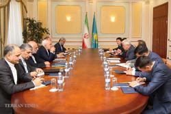 Zarif meets his Kazakh counterpart in Astana