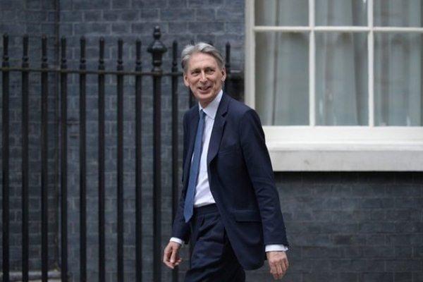 تردید وزیر دارایی انگلیس نسبت به امکان تحریم جدید علیه ایران