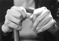 روند صعودی افزایش سالمندان و زنگ خطر بحران جمعیت / تا ۲۰ سال آینده سالمندان کشور سه برابر خواهند شد