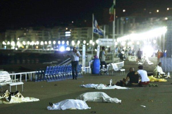 هجوم ارهابي بمدينة نيس الفرنسية يخلف 77 قتيلاً وعشرات الجرحى