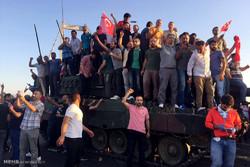اعلامي لبناني: الانقلاب في تركيا نتيجة انعطافات اردوغان السياسية