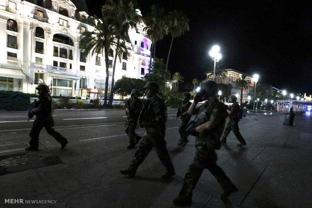 فرنسا تمدد حالة الطوارئ 6 أشهر