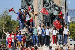 اردوغان يحاول تحطيم رمزية المؤسسة العسكرية في تركيا