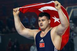 Türkiye'nin Grekoromen güreşçileri İran'a geliyor