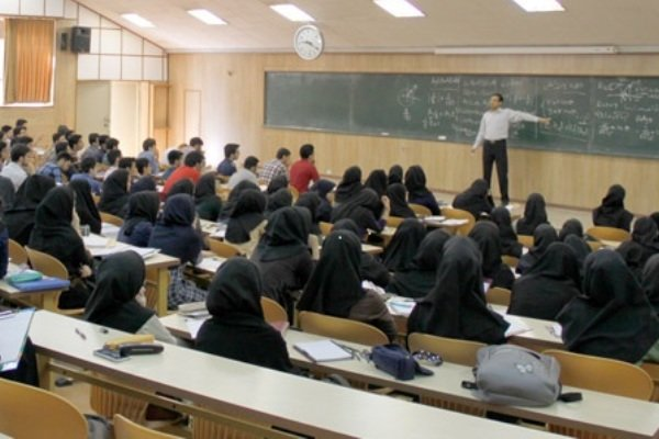 نمرات مردودی دانشجویان ارشد دانشگاه آزاد در معدل بیتأثیر شد