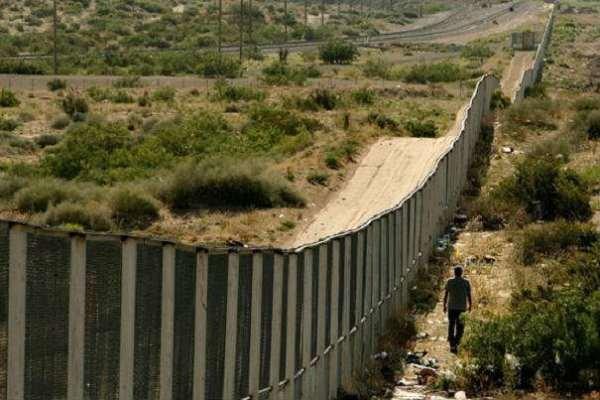 میکسیکو سرحد پر دیوار کی تعمیر کیلئے ایک ارب 40 کروڑ ڈالر کی فنڈنگ کا معاہدہ