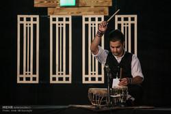 موسیقی مقامی اساس جریان موسیقی رسمی کشور است