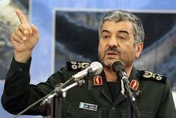 على الأمريكيين أن لا يضيعوا ثروات شعبهم بالتواجد العسكري في الخليج الفارسي